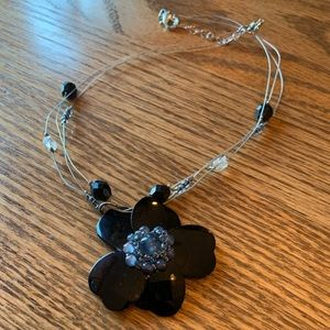 💥4/$10💥 Black Flower Wired Necklace